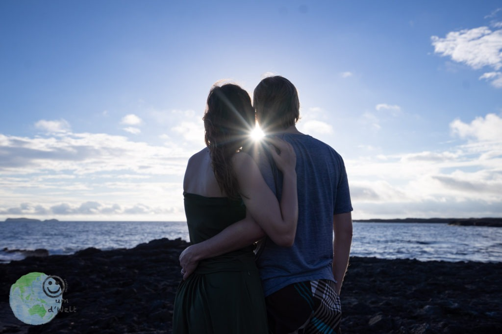 beautiful_sunshine_galapagos_lovecouple