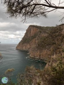 bruny_island_cliffs_3